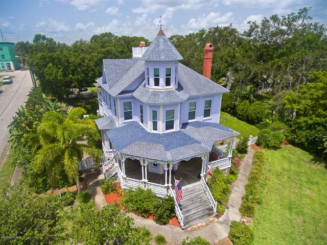 Florida Home Pineapple Ave